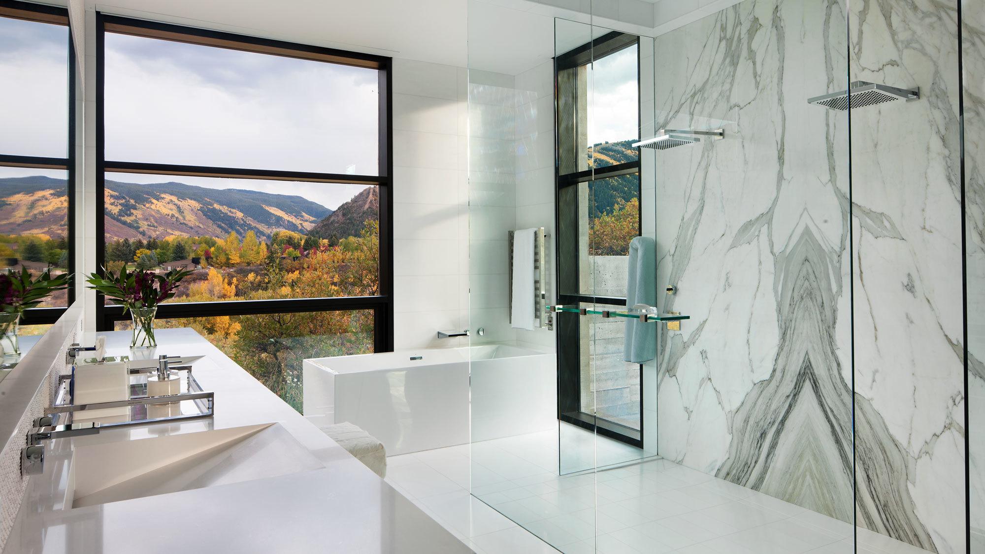 Maroon Creek Overlook Bathroom